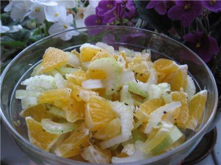 Салат из апельсинов и сельдерея