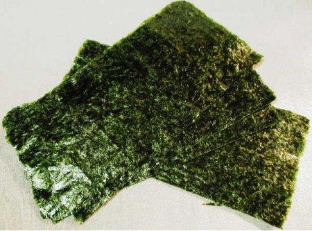 Закуска из водоросли нори
