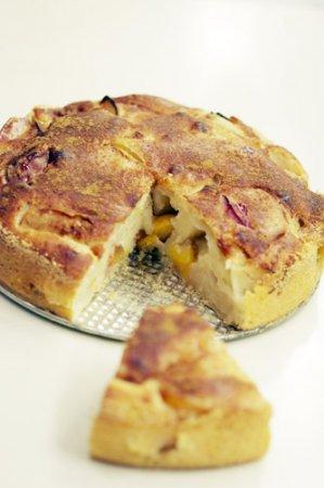 Яблочно — сливовый пирог