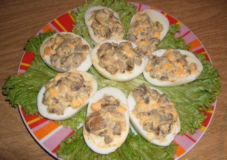 Фаршированные куриные яйца