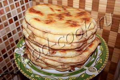 Тонкие пирожки с фасолью