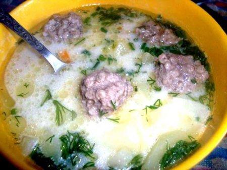 Суп с фрикадельками и плавленым сыром