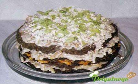 Торт из печени с овощами