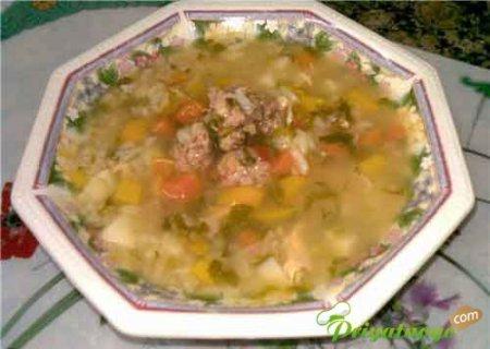 Суп со шпинатом и куриными фрикадельками
