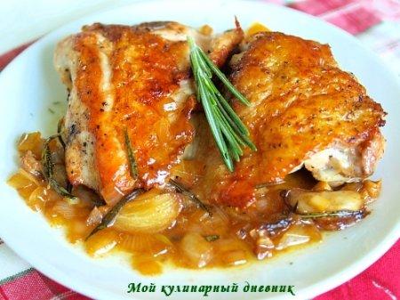 Курица тушеная по-провансальски с розмарином и чесноком