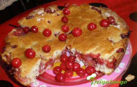 Манный пирог с вишней