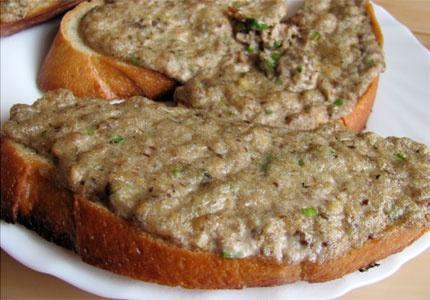 Горячие бутерброды с рыбной консервой