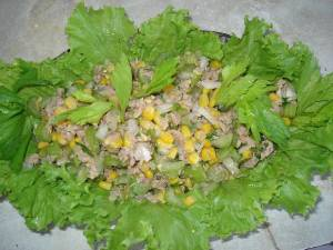 Салат из рыбы и кукурузы «Мираж»