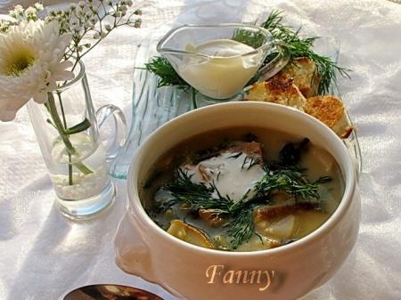 Суп с грибами, вином и лимонным соком