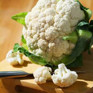 Салат из макарон, грибов и цветной капусты «Фантазия»