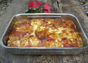 Запеченные баклажаны под томатным соусом