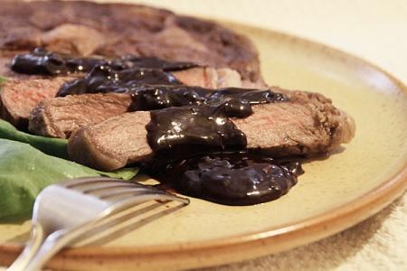 Шоколадный соус к стейку из говядины