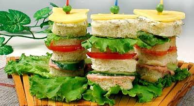 Башня из сандвичей