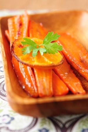 Морковь, запеченная c цитрусовыми