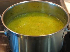 Овощной суп-пюре: кабачки, брокколи, морковь и картофель