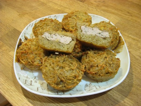 Картофельные драники с мясом в духовке