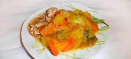 Овощи под сладким мандариновым соусом