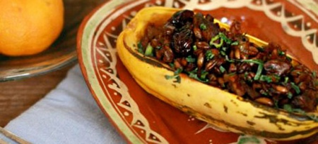 Тыква, фаршированная грибами и рисом
