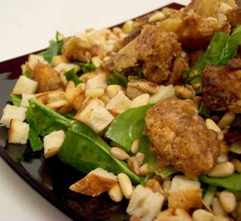 Салат из печени с рукколой