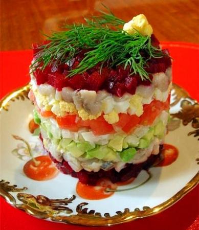 Салат из авокадо с сельдью
