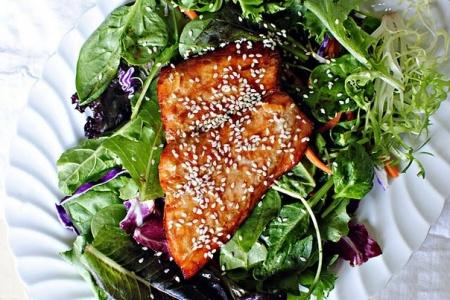 Салат с лососем в апельсине
