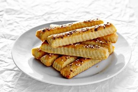 Соломка из сливочного сыра