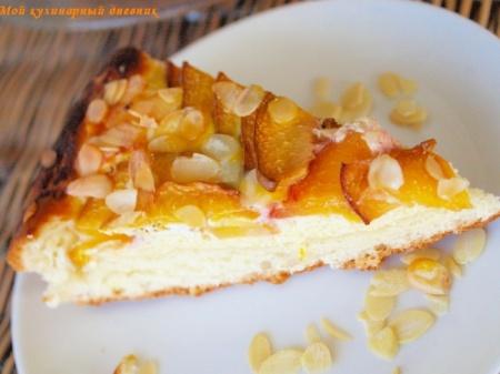 Пирог с нектаринами (персиками) и творогом