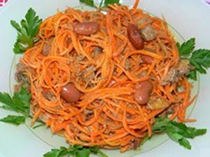 Острый салат из моркови и фасоли