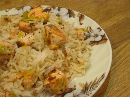 Рис Басмати с луком-пореем и лососем