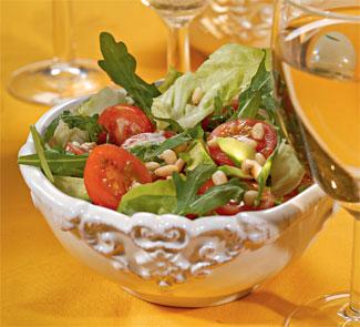 Салат из авокадо и руколы
