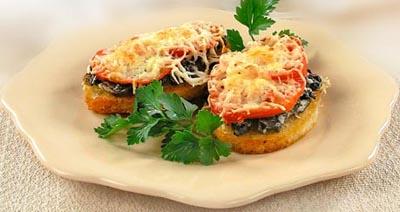 Гренки с грибами и помидорами