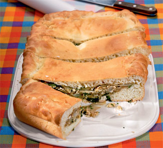 Пирог с капустой и яйцами