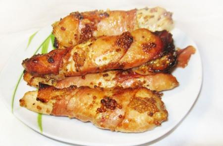 Куриное филе, запеченное в беконе
