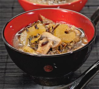 Суп с грибами и диким рисом