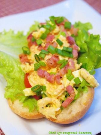 Сендвичи с креветками и яичным салатом