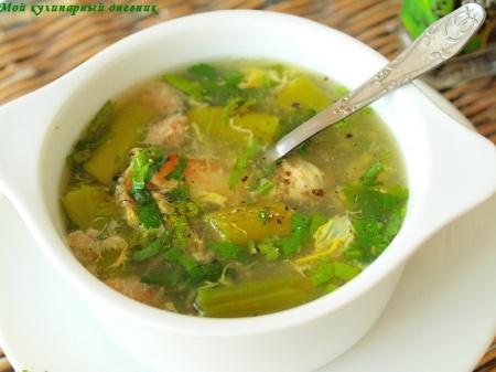 Крабовый суп со спаржей (Mang Tay Cua)