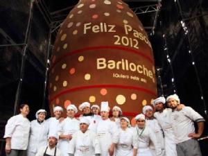 В Аргентине изготовили рекордное пасхальное шоколадное яйцо