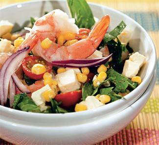 Салат из кукурузы, креветок и адыгейского сыра