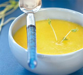 Чесночный крем-суп с шафраном
