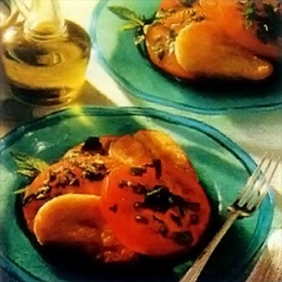 Салат из помидор и халлуми