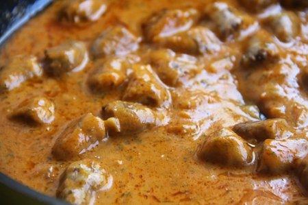 Куриные сердца в сырно-сливочном соусе