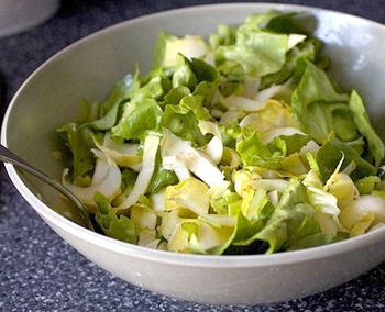 Пасхальный салат с виноградом