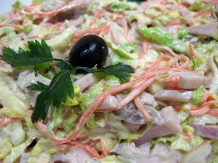 Салат с капустой и корейской морковкой