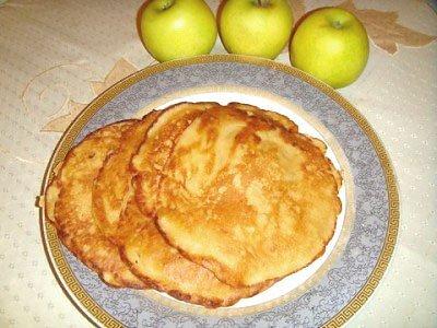 Яблочные блинчики