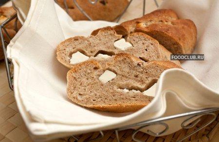 Гречневый хлеб с орехами и брынзой