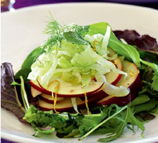 Салат с яблоками и фенхелем