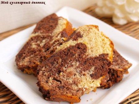 Мраморный кекс с шоколадом и миндалем
