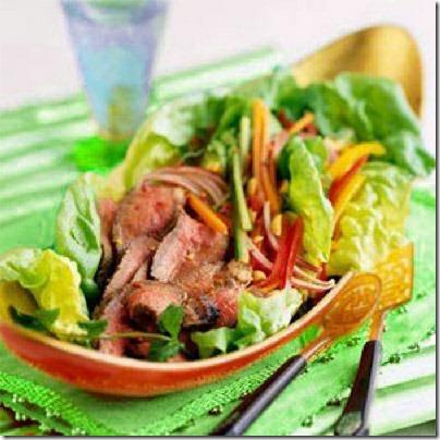 Острый салат из вареной говядины
