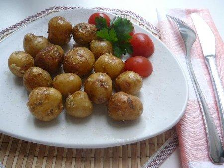 Картофель запеченный в чесночке