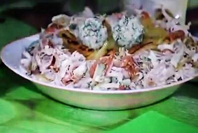 «Гнездо глухаря» салат: рецепт с курицей